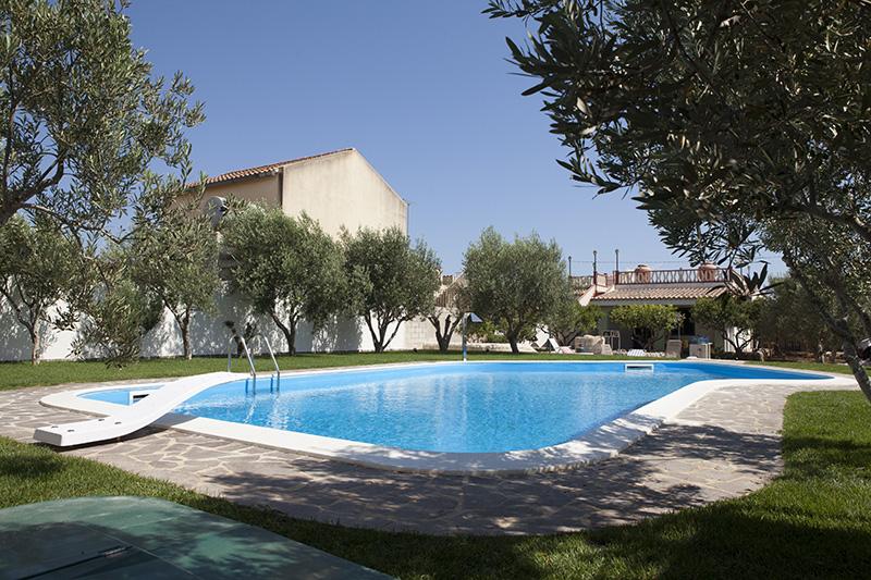 Dove realizzare la piscina in giardino irriflor - Realizzare una piscina ...